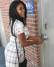 Ebony Jenna Brooks In The Glory Hole
